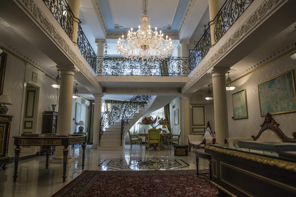 Hotel unutra